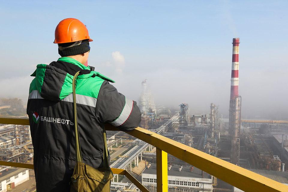 Группа компаний «Альянс» собрала средства, чтобы заплатить почти 334 млрд руб. за госпакет «Башнефти» – на 4 млрд больше, чем заплатила «Роснефть»