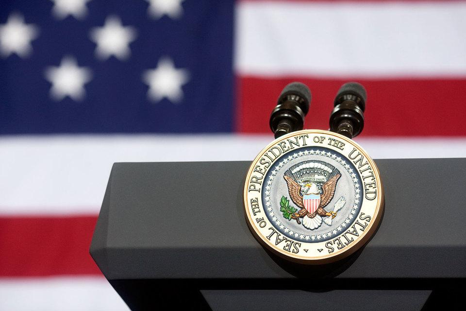 Неясность относительно экономической политики нового президента пока удерживает бизнесменов от активных действий