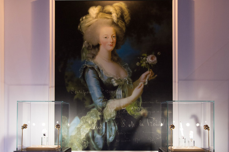 Вариации часов, посвященных Марии-Антуанетте, созданы к открытию выставки о французской королеве