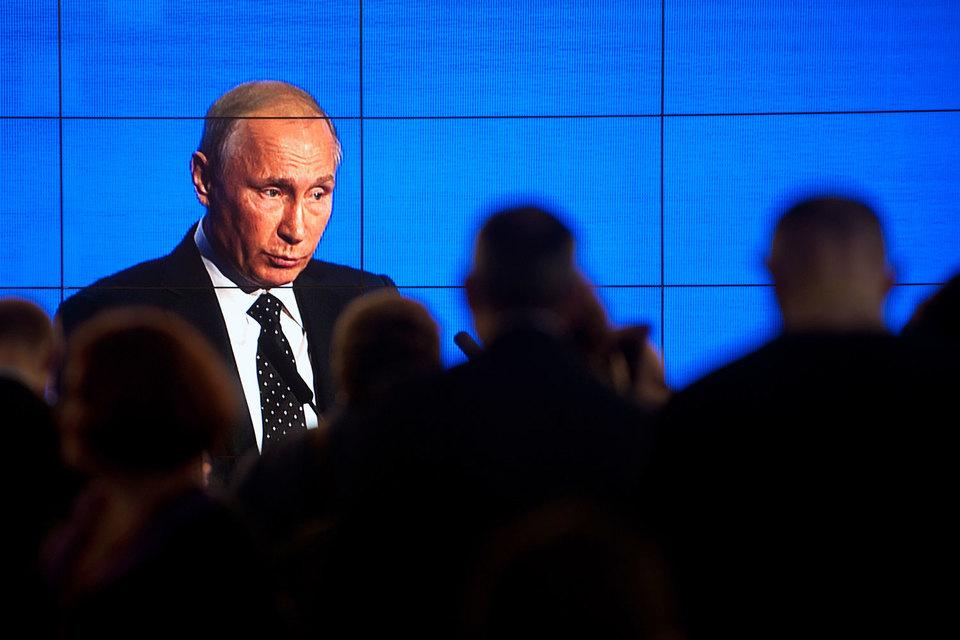 Владимир Путин сценарий своего будущего еще не выбрал, считают эксперты