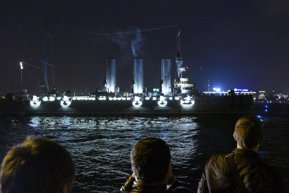 Управление ФАС по Петербургу обнаружило признаки нарушения закона при выполнении госконтракта на ремонт крейсера «Аврора»