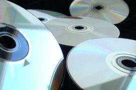 C частного предпринимателя, продавшего контрафактный диск с записью песен Стаса Михайлова за 75 руб., потребовали 859 000 руб.