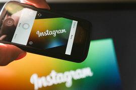 В этом году Instagram заработает на рекламе почти $2 млрд, около 7% выручки Facebook. Но в России этот сервис зарабатывает даже больше материнской компании