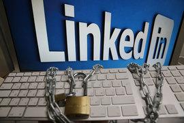 LinkedIn станет первым зарубежным сервисом, заблокированным в России за нарушение закона о персональных данных. Будет ли заблокировано мобильное приложение, пока не ясно