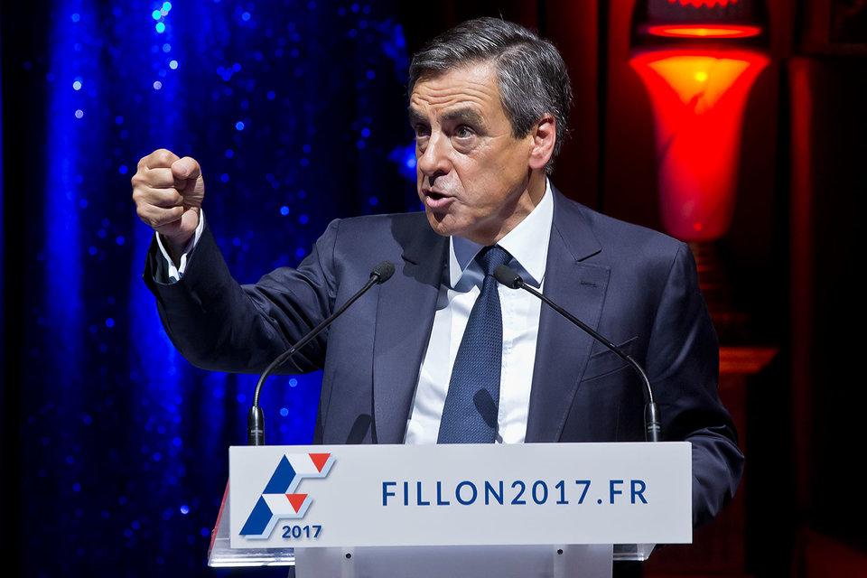 Бывший премьер Франсуа Фийон существенно прибавил в популярности непосредственно перед первым туром праймериз