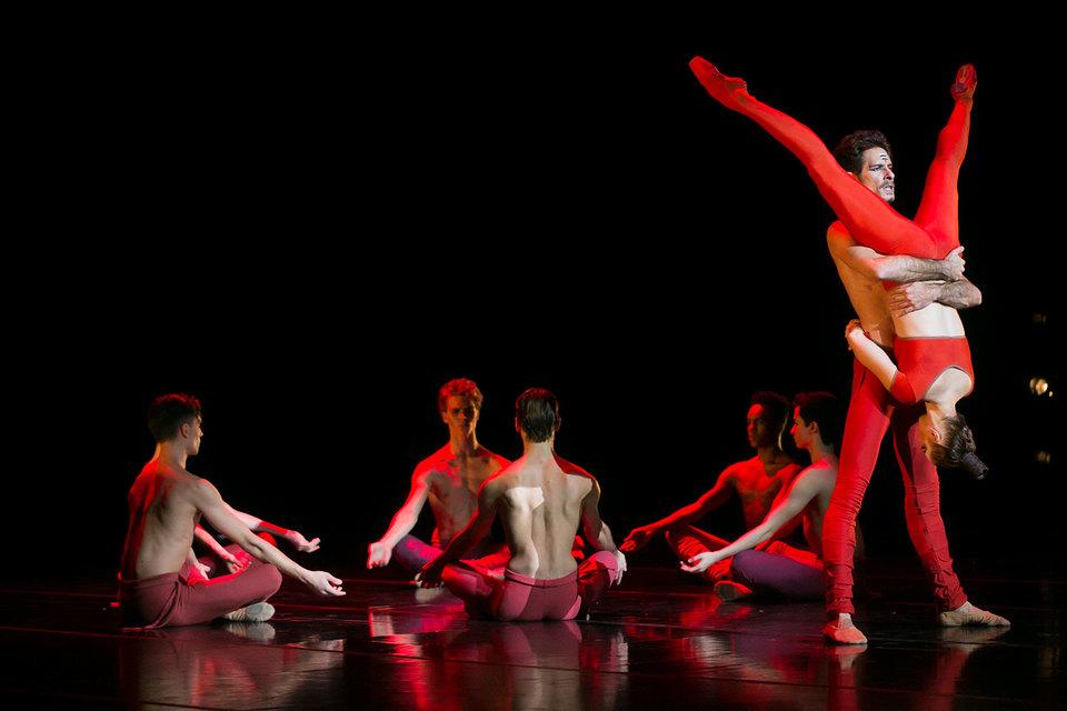 Балет Бежара «БхактиIII» полон тантрических мотивов