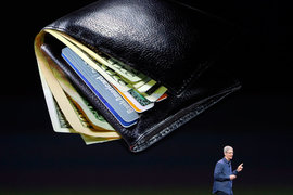 Комиссию с клиента за платежи с помощью телефона ни банки, ни платежные системы не взимают. Однако Apple, в отличие от Samsung, берет небольшую комиссию с банка за каждую транзакцию