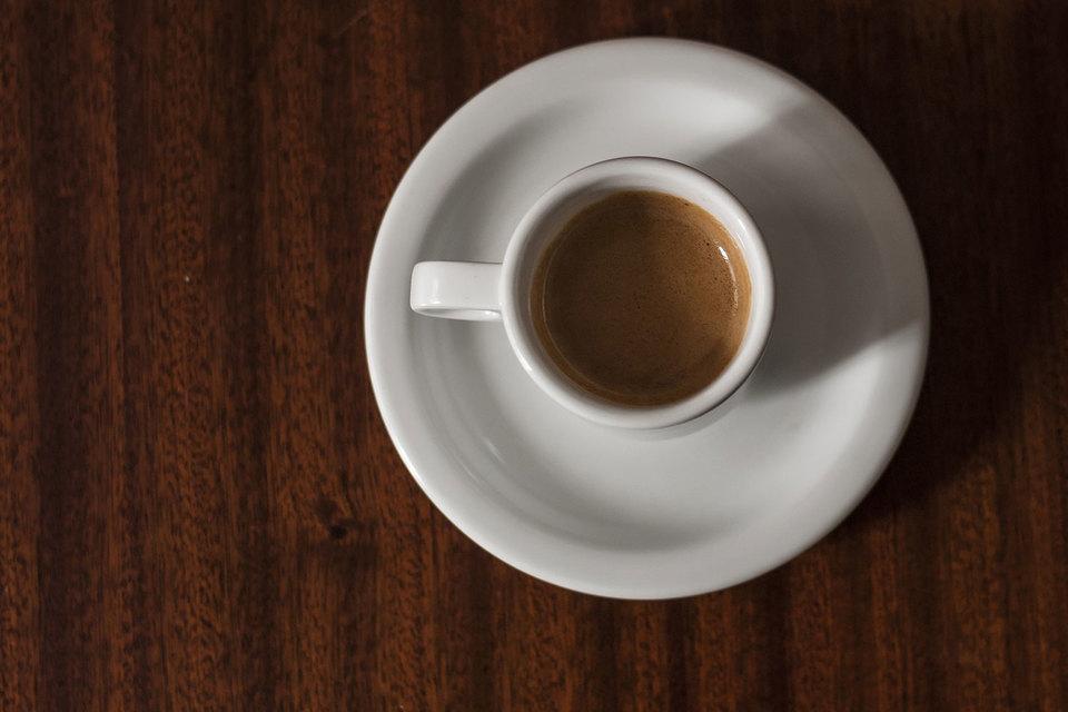 Чашка кофе приносит столько же прибыли, сколько 6 л бензина