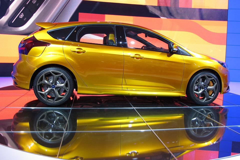 Реальную скидку от производителя в размере до 10% покупатели смогут получить только на модели Ford Focus (модель на фото) и Ford Kuga