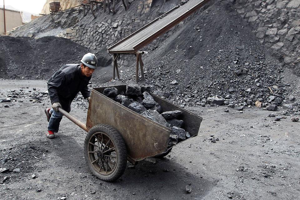 Котировки коксующегося угля за вторник снизились на 1% до $306 за тонну
