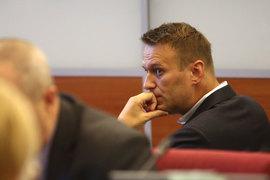 Навальный сказал «Ведомостям», что его победа в ЕСПЧ и решение президиума Верховного суда (см. врез) стали «медийной оплеухой» для власти, поэтому он предполагает, что новое решение постараются вынести быстрее