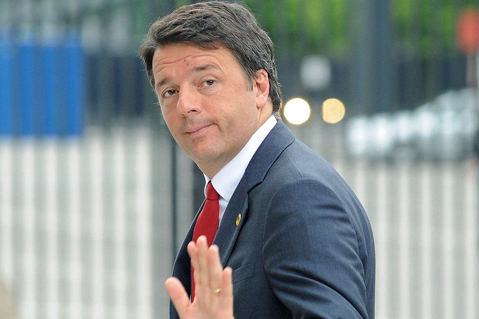 Премьер Маттео Ренци обещал уйти в отставку, если Италия проголосует против реформ