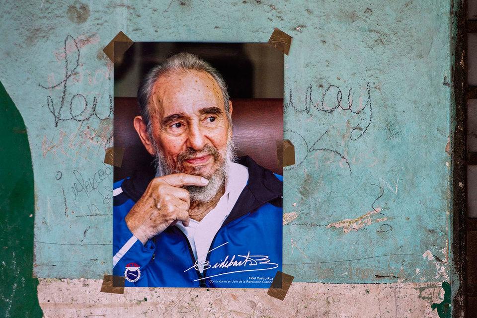 Фидель Кастро скончался в возрасте 90 лет, передает Associated Press