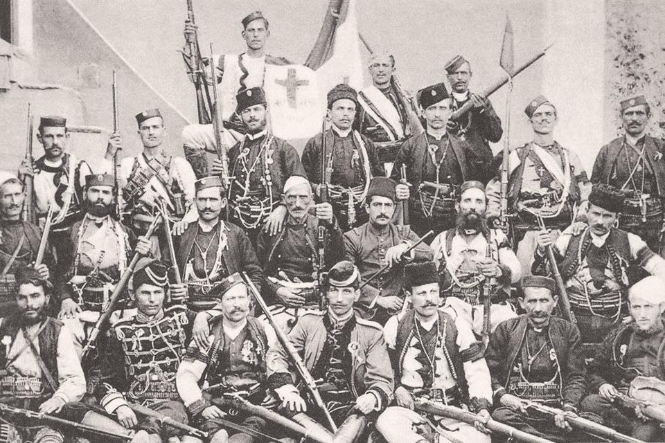 По турецким данным, в 1907 г. в Македонии действовало 110 болгарских, 80 греческих, 30 сербских чет. На фото: сербские четники wikimedia.org