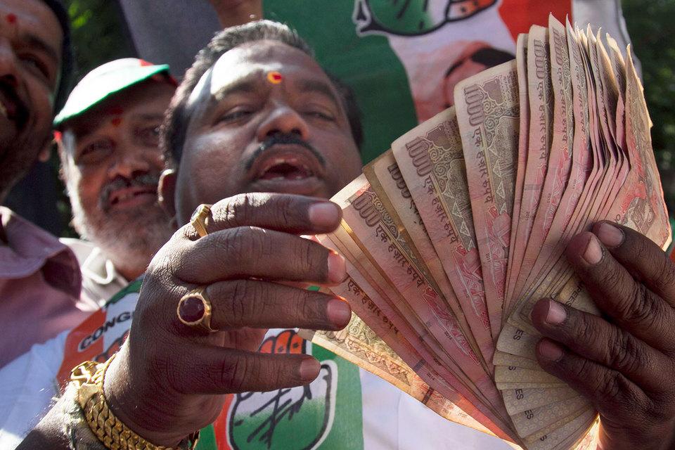 Индийские банки получили $100 млрд новых вкладов из-за денежной реформы