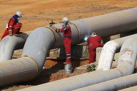Рост цен на нефть облегчает существование американским компаниям