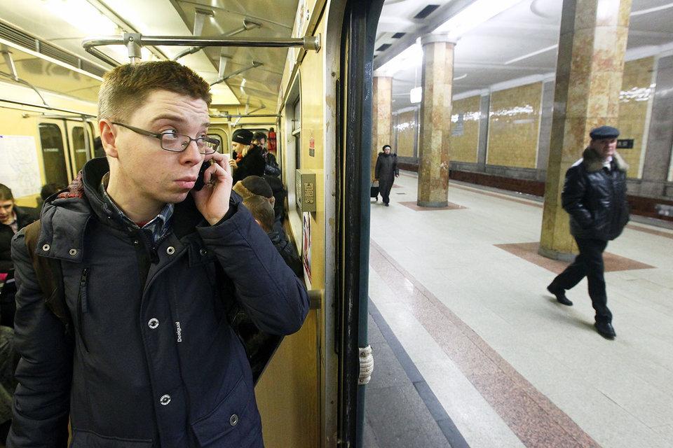 В Московском метрополитене может пропасть сотовая связь