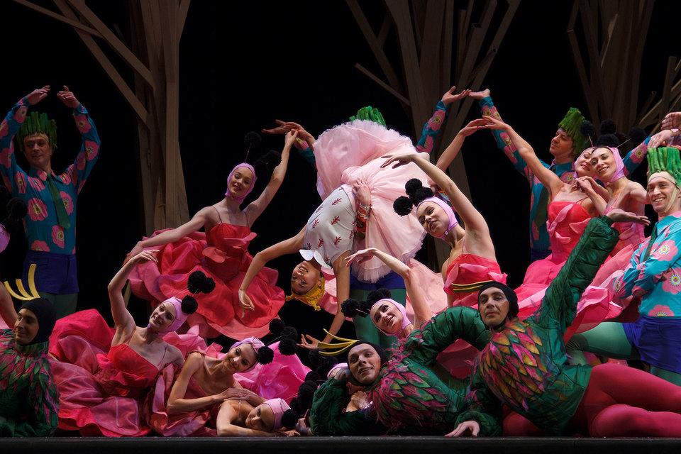 «Снежная королева» – игра в балет a la Мариус Петипа, как часто бывает  у Вячеслава Самодурова