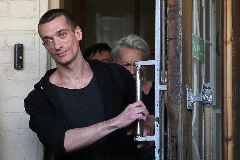 В Страсбургский суд направлена жалоба художника Петра Павленского на приговор по делу о поджоге двери здания ФСБ на Лубянке