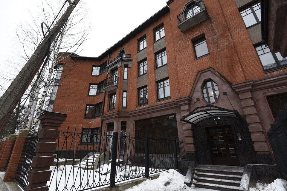 Власти Петербурга решили не сносить построенный без разрешения жилой дом на Горной
