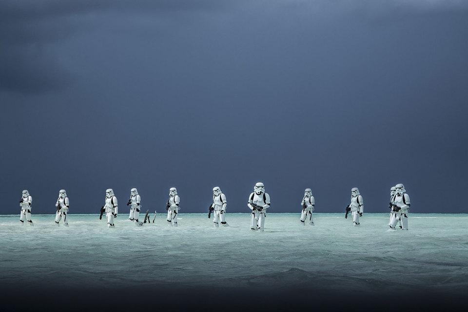 Новым лидером американского и мирового кинопроката ожидаемо стала картина «Изгой-один. Звездные войны: истории»