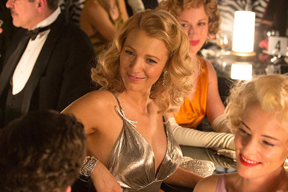 Актриса Блейк Лайвли в серьгах из коллекции Cafe Society