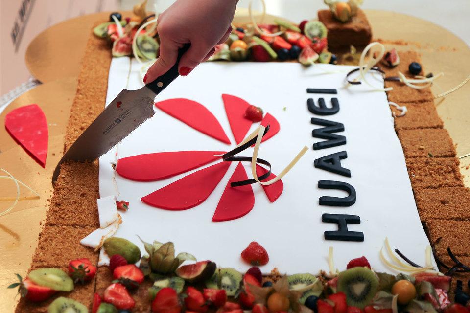 Huawei занял третье место в России по продажам смартфонов