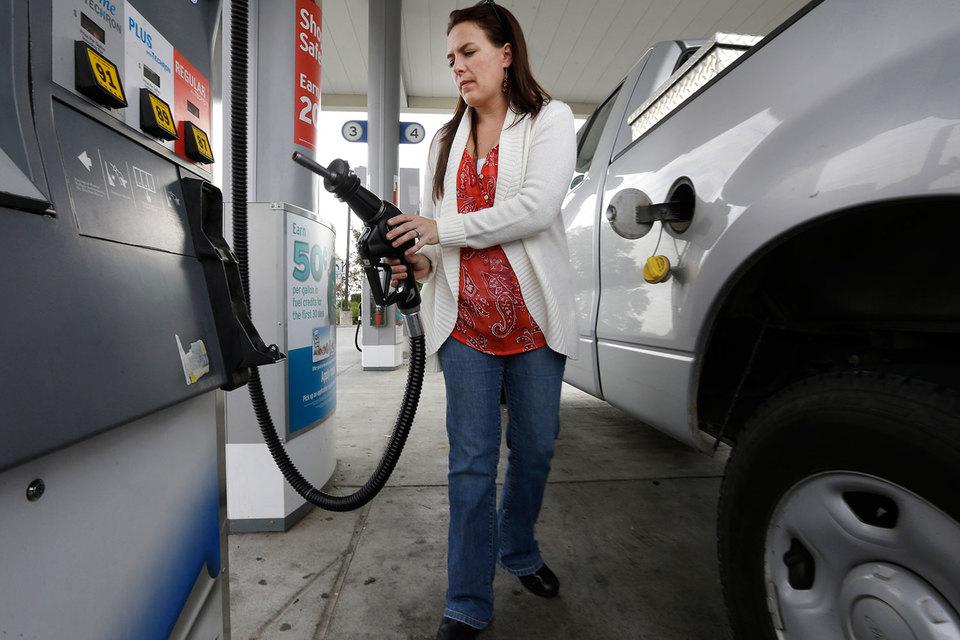 Дешевый бензин вернул популярность кроссоверам и внедорожникам