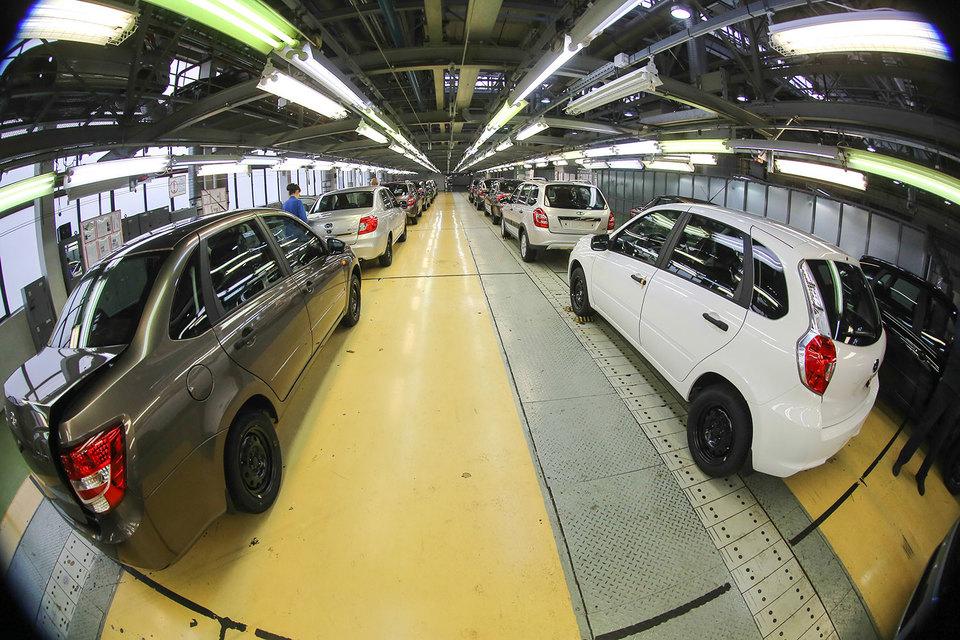 «АвтоВАЗ» снизил в 2016 г. экспорт на треть, а в следующем году хочет вернуться как минимум на уровень 2015 г.
