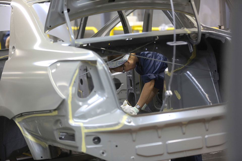«АвтоВАЗ» мог бы в этом году произвести примерно на 2,4% больше машин, но не смог этого сделать. Компании не хватило комплектующих – подвели поставщики