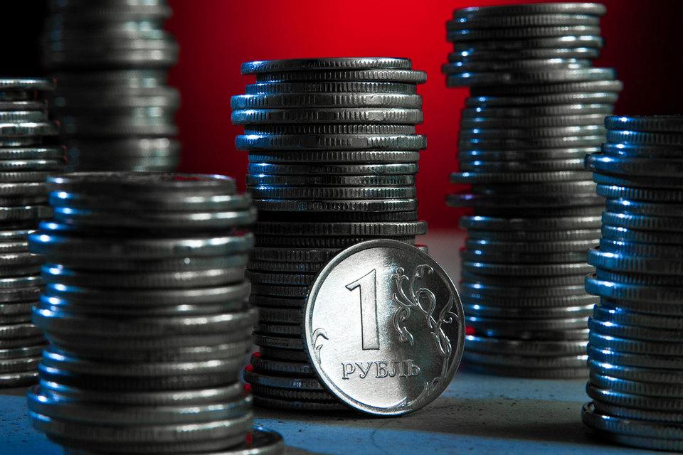 При более интенсивном росте экономики улучшится структура расходов, говорится в прогнозе Минэкономразвития: меньше пойдет на обслуживание долга и трансферты внебюджетным фондам