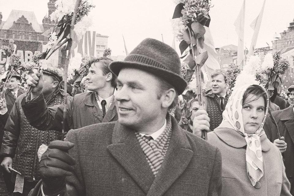 Советский человек состарился ко времени брежневского застоя, утратив после многих попыток реформировать социализм остатки коммунистической веры