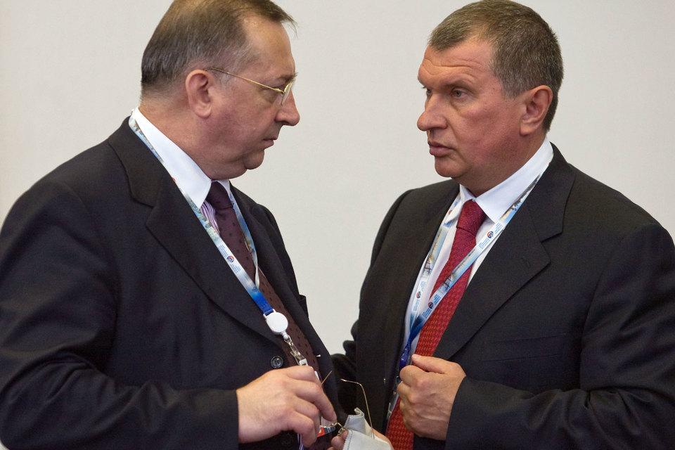 Президент «Транснефти» Николай Токарев (слева) и главный исполнительный директор «Роснефти» Игорь Сечин