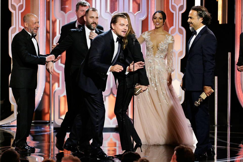 Леонардо Ди Каприо получил награду как лучший драматический актер за роль в фильме «Выживший»