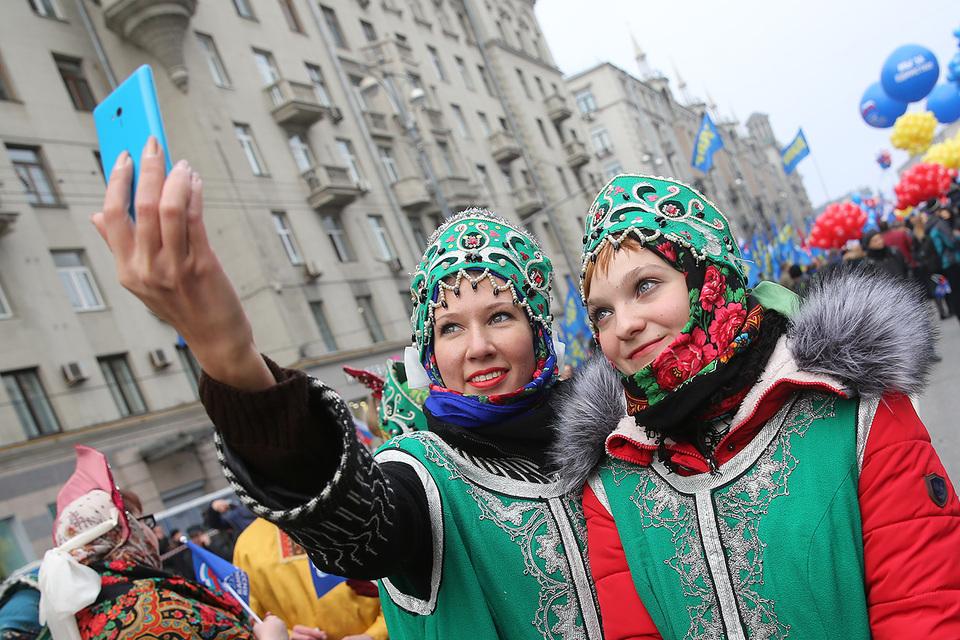 По итогам 2015 г. продажи смартфонов в России в штучном выражении сократились