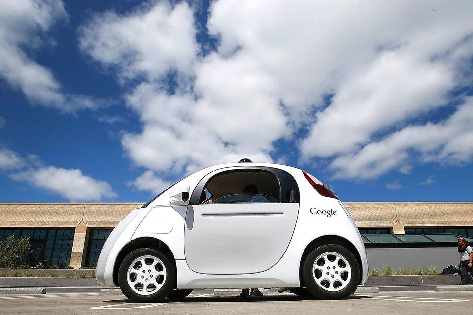 Ожидается, что технология 5G будет обеспечивать работу, например, с интеллектуальными автомобилями