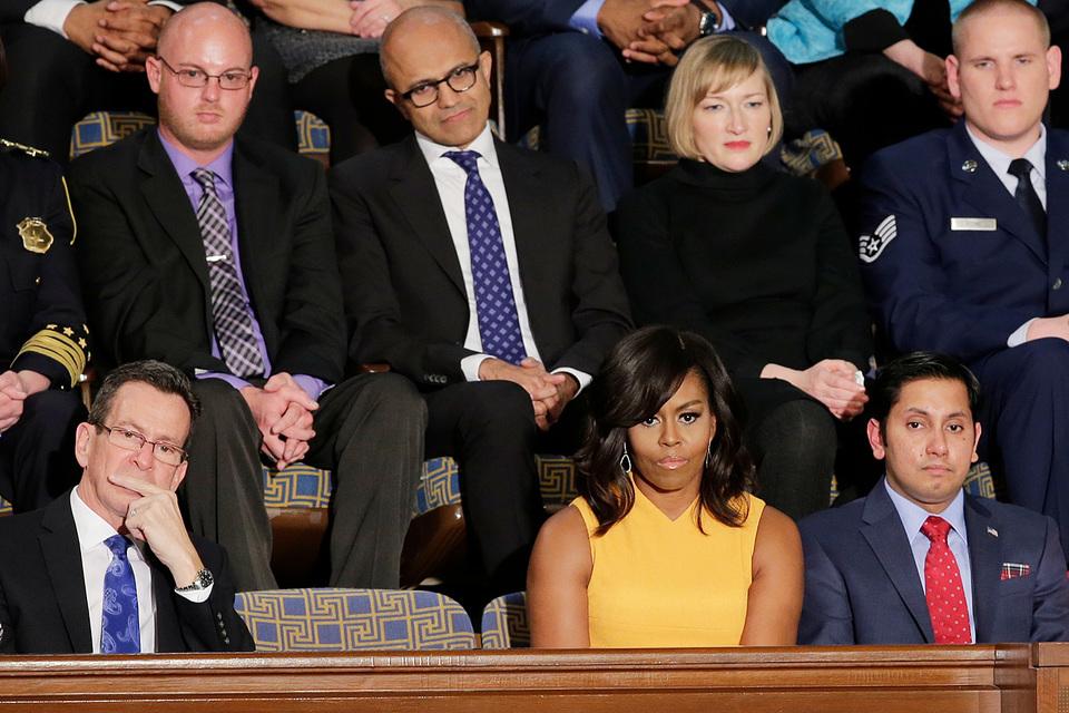 Рядом с первой леди Мишель Обамой оставлено свободное место в память жертв вооруженного насилия