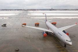 «Аэрофлот», ставший главным бенефициаром от ухода с рынка «Трансаэро», сработал в минус по итогам 2015 г.