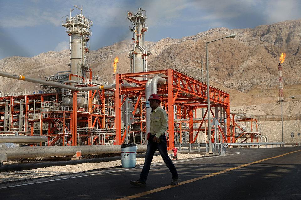 Теперь Иран сможет вернуться на мировые финансовые и нефтяные рынки