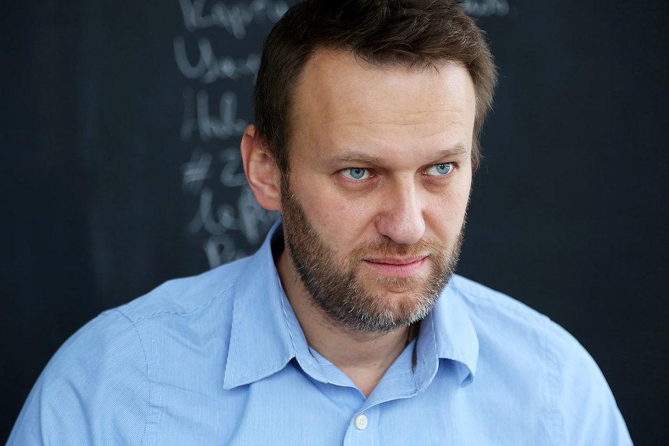 Навальный заплатит за честь сенатора