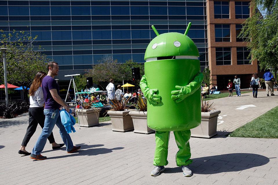 Злоумышленники стали внедрять вирусы в системные программы Android-устройств