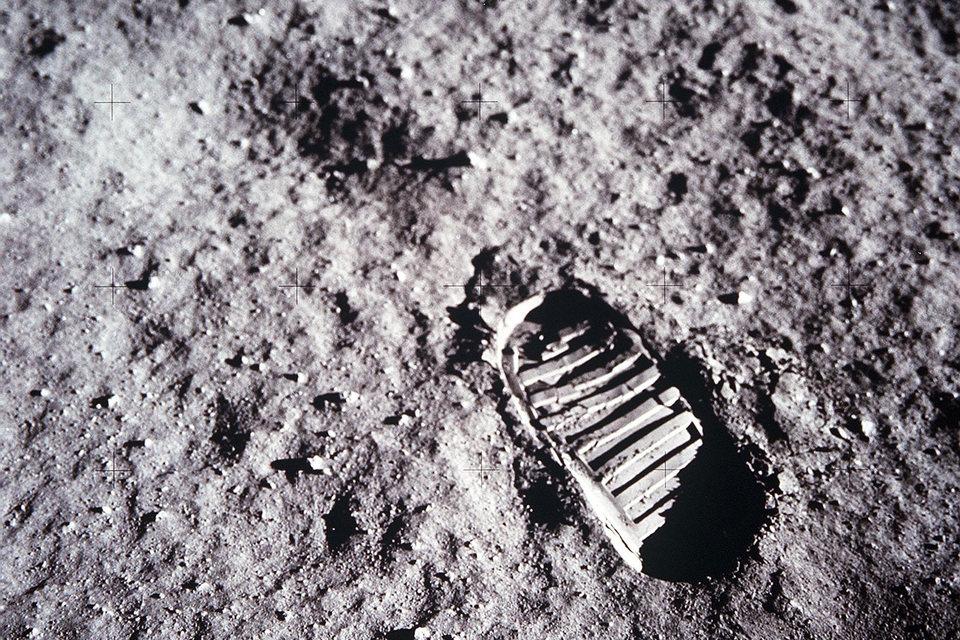 О пилотируемом полете на Луну в 2030 г. говорить не приходится