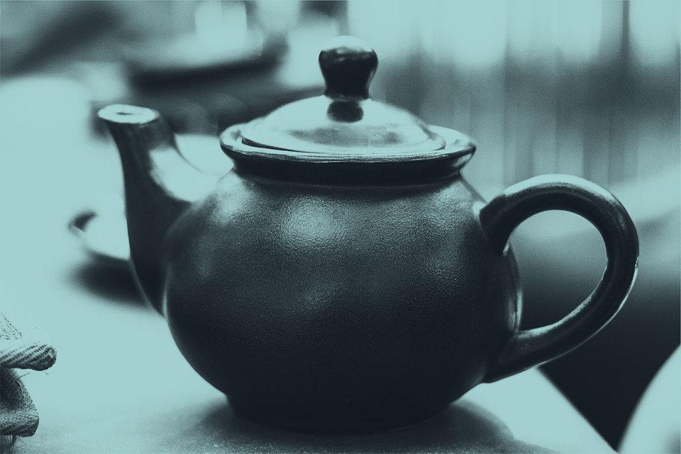 Непосредственно в подкладывании полония в чайник почти 10 лет назад были обвинены Андрей Луговой и Дмитрий Ковтун