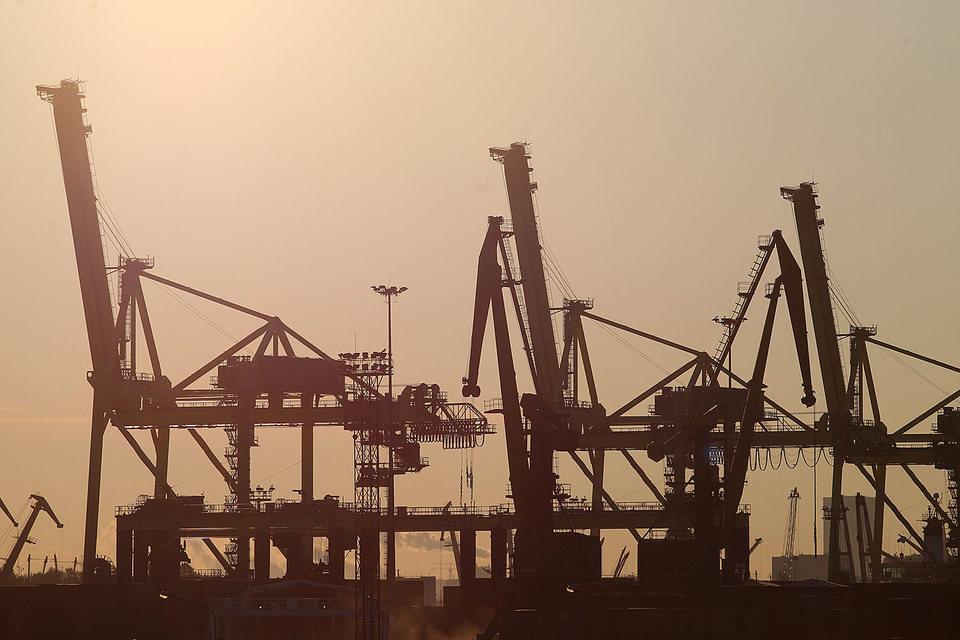 Контейнерооборот порта Санкт-Петербург упал на 28%