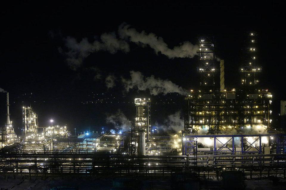 Российские НПЗ страдают от дешевой нефти сильнее, чем добывающие компании