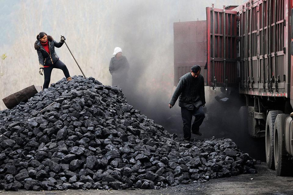 За 2–3 года Китай закроет 4300 шахт, производящих 700 млн т угля