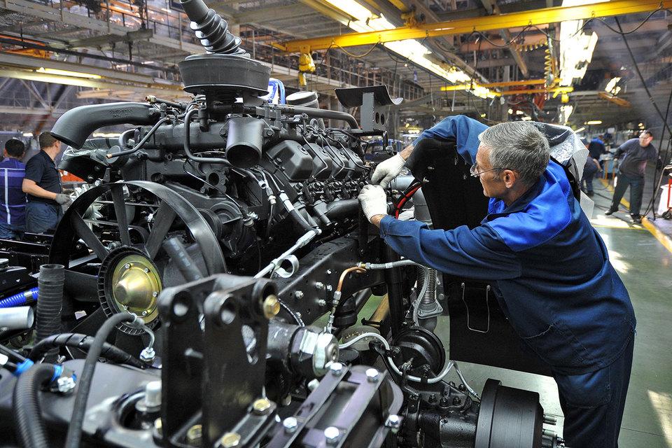 Режим неполной рабочей недели позволяет заводу ежемесячно экономить на постоянных затратах