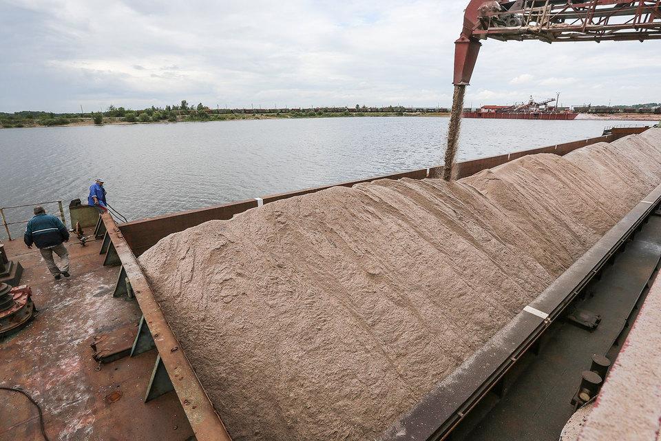Тема повышения экспортных пошлин появилась осенью, после того как сельхозпроизводители пожаловались на рост цен на удобрения