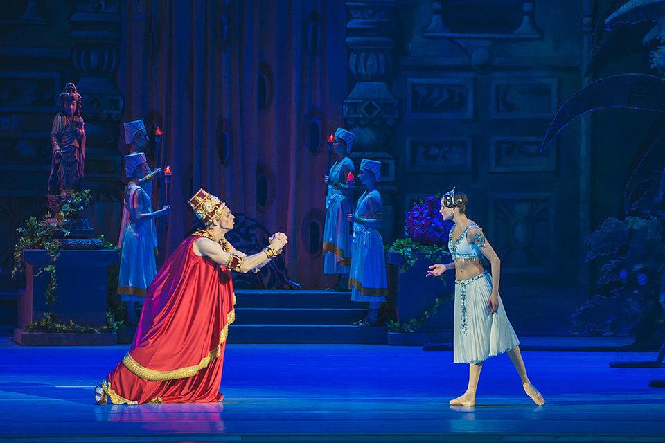 Марку «Кремлевского балета» держит Ирина Аблицова в партии Никии