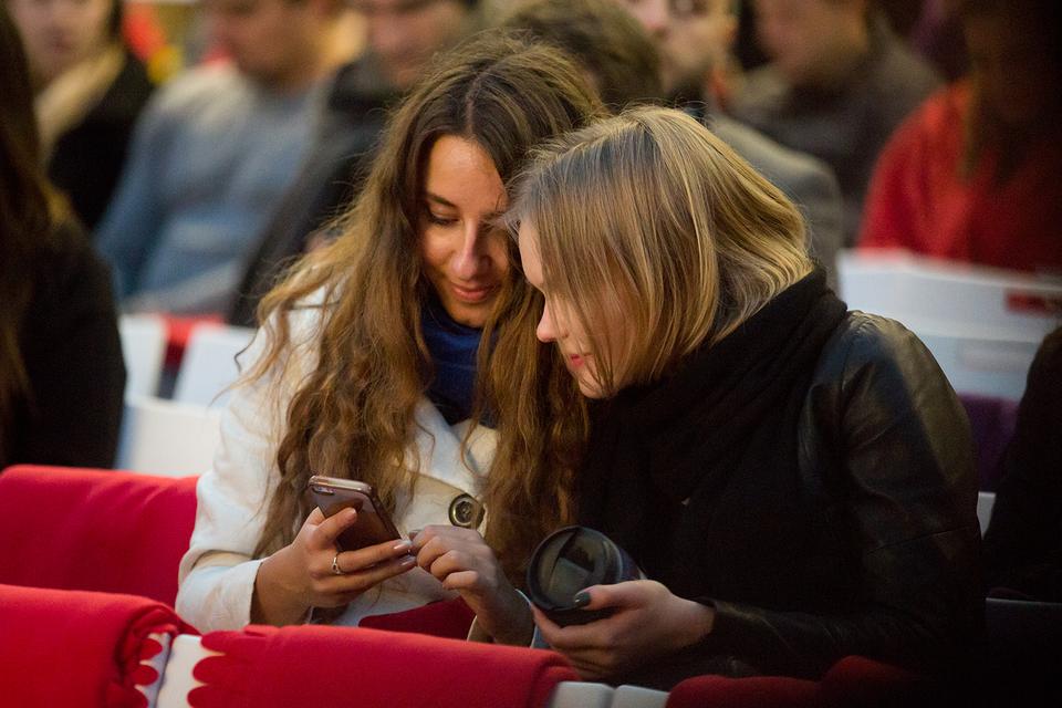 За прошлый год аудитория интернета в России увеличилась до 84 млн пользователей, из которых 42% выходили в интернет с мобильных устройств